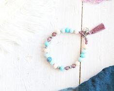 Bracelet Jasmine, fil élastique, perles argent, violet, bleu et blanc crème, pompon, mille et une nuits, pour femme