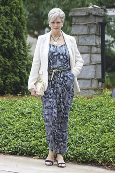 women's fashion over 60 how to wear leggings Over 60 Fashion, Over 50 Womens Fashion, 50 Fashion, Fashion Outfits, Fashion Trends, Womens Clothing Stores, Clothes For Women, Women's Clothing, Ladies Clothes