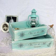 32 Beautiful Wooden Home Accessories Decoration - Room Dekor 2021 Decoupage Art, Decoupage Vintage, Decorative Accessories, Home Accessories, Decorative Boxes, Hobbies And Crafts, Diy And Crafts, Wooden Kitchen Signs, Foto Transfer