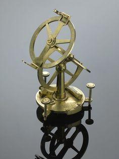 """Résultat de recherche d'images pour """"instruments scientifiques musée des arts décoratifs paris"""""""
