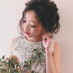 ウェディングドレスに似合う可愛い「前髪アレンジ」の方法 | marry[マリー]