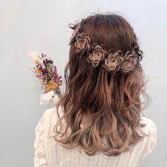 Seiya YamamotoさんはInstagramを利用しています:「♡〜フルールヘア〜♡ ・ ラベンダーグラデーションカラーの色落ち✨✨ × 大人気フルールリースヘア💐 ・ 初めは、ラベンダーの色味を楽しんで抜けてきても可愛い😍 この日は、メンテナンス☺️ 仕上げは…フルールリースヘアに💕 ・ 可愛いく映えるヘアだね✨✨ ・ こんなけお花を詰め込…」 Kawaii Hairstyles, Funky Hairstyles, Pretty Hairstyles, Hair Arrange, Hair Setting, Cool Hair Color, Hair Art, Hair Designs, Rapunzel