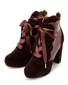 Liz Lisa boots. Like the silhouette, but not the colors.