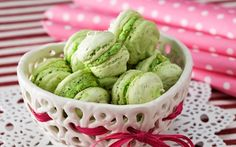 Pistaasimacarons Macarons, Food And Drink, Ice Cream, Ethnic Recipes, Desserts, No Churn Ice Cream, Tailgate Desserts, Deserts, Icecream Craft