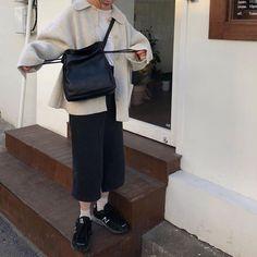 New modern korean fashion . Look Fashion, Korean Fashion, Winter Fashion, 80s Fashion, Spring Fashion, Modest Fashion, Fashion Outfits, Womens Fashion, Fashion Tips