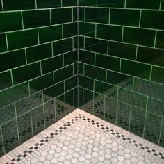Trendy bathroom green dark subway tiles Ideas Source by Bathroom Bathroom Plants, Bathroom Art, Small Bathroom, Bathroom Colors, Bathroom Ideas, Mosaic Bathroom, Washroom, Green Subway Tile, Subway Tiles