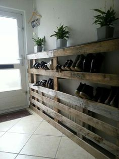 Shoe rack made from pallets?