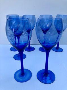 Vintage Colors, Wine Glass, Tableware, Dinnerware, Tablewares, Dishes, Place Settings, Wine Bottles