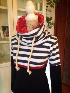 Ahoi Ahoi, Eine Missy als Kleid abgeändert... (Eigentlich nur 24cm verlängert) Da wir hier in Schwansen direkt an der Ostsee wohnen, darf so eine schickes maritimes Kleid natürlich nicht fehlen. Wa...