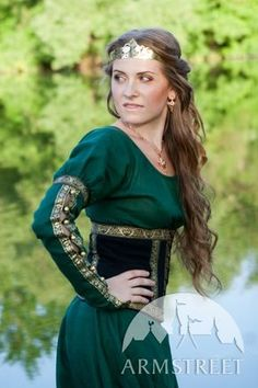 DISCOUNTED Medieval Dress with Corset Belt Forest por armstreet