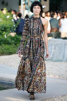 Louis Vuitton Resort 2016 Fashion Show - Rianne van Rompaey