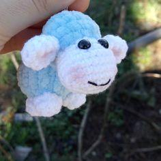 Amigurumi Free, Lana, Sheep, Snoopy, Toys, Character, Ideas Para, Interesting Drawings, Sewing Crafts