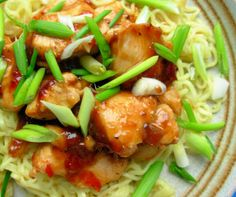 Easy Diet recipe, Chinese Garlic,Ginger & Honey Chicken with Noodles - 200 Calories! No Calorie Foods, Low Calorie Recipes, Healthy Recipes, 200 Calorie Meals, Ginger And Honey Chicken, Fresh Ginger, Recipes With Ginger Root, Chinese Garlic, Chinese Chicken
