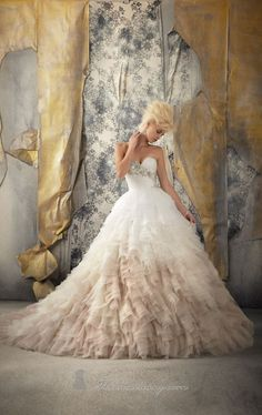 Extravagant ruffled, two toned, sweetheart wedding ballgown! Too much for me, but so pretty