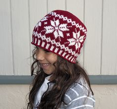 I think I am IN LOVE with this designer! Why am I just NOW finding her?!?!?! Frozen Snowflakes Beanie pattern by Deja Jetmir