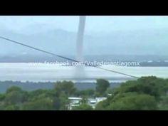 Tornado en la laguna de yuriria guanajuato (torbellino)
