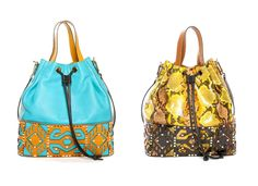 Spring-summer collection of  handbags Sarah Battaglia for 2012 shows extreme style and views of the famous designer. Arm the coming spring season with a bouquet of diverse and colorful bags.