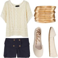 What a beautiful simple summer outfit!