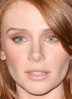 Close-up of Bryce Dallas Howard at a 2015 Samsung Galaxy launch. http://beautyeditor.ca/2015/09/02/best-beauty-looks-america-ferrera