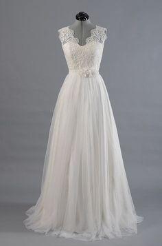 Vintage Lace V Neck Long Tulle Beach Wedding Dresses 2016 Boho Bridal Gowns