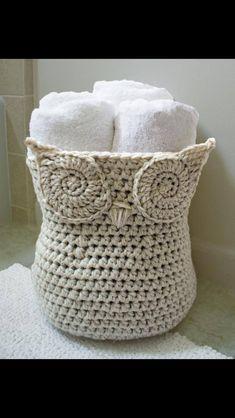 Cute woven ole basket... Guest bathroom