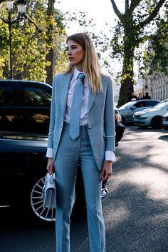 Street Style Paris Fashion Week Primavera Verano 2017   Galería de fotos 49 de 280   VOGUE