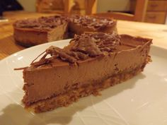 Chocolate Orange Cheesecake, a delicious alternative for Christmas Day! Recipe at www.easyhomemadecakes.com