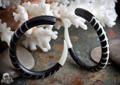 Black horn Vertebrae design