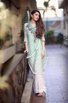 Pakistani Dresses Casual, Pakistani Dress Design, Indian Dresses, Indian Outfits, Stylish Dresses, Casual Dresses, Casual Outfits, Fashion Dresses, Eastern Dresses