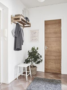 Perfect entrance in a small space!