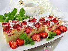 Ala piecze i gotuje: Ciasto na kefirze z truskawkami