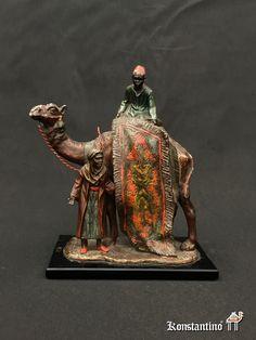 Escultura policromada de bronce, Arabe con camello y alfombra. Judios Vieneses, 1º del S. XX, 18,5 cms. REF: 1733-C -----#anticuario #anticuarios #antigüedades  #antiques #antique #antiqueshop