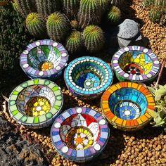 I've been mosaicing some of my concrete bowls!! #joannaalferinkart #mosaicartist #mosaics #colour #colourlove #gettingready #margaretriverregionopenstudios #mrros #margaretriverregion #westernaustralia