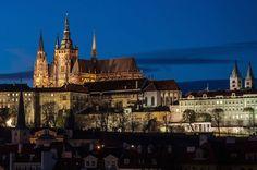 Zamek-Praski-nad-rzeką-Wełtawą-Czechy