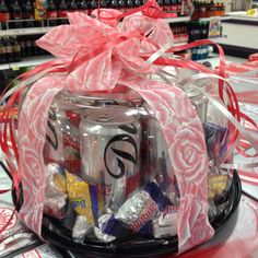 Creative Valentines Day gift - Diet Coke and chocolate in a cake box! - I would use Rockstars! Diy Father's Day Gifts, Father's Day Diy, Craft Gifts, Cute Gifts, Best Gifts, Valentine Day Gifts, Holiday Gifts, Valentines, Teacher Appreciation Gifts