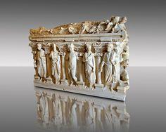 Sidamara Sarcophagus, a century marble Roman sarcophagus from Turkey. Ancient Tomb, Ancient Romans, Ancient Art, School Of Athens, Roman Artifacts, Museum Studies, Roman Sculpture, Roman Architecture, Minoan