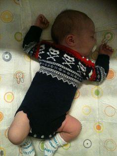 Marius Onesie pattern by Sandnes Design Knitting Ideas, Baby Knitting, Knitting Patterns, Onesie Pattern, Crochet Geek, Geek Fashion, Skeletons, Baby Patterns, Kids And Parenting