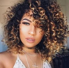 87 unique ombre hair color ideas to rock in 2018 - Hairstyles Trends Ombre Curly Hair, Layered Curly Hair, Bobs For Thin Hair, Colored Curly Hair, Curly Hair Cuts, Short Curly Hair, Curly Hair Styles, Natural Hair Styles, Curly Bob
