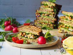 Avokádós-babos szendvics 2db Salmon Burgers, Avocado Toast, Curry, Brunch, Breakfast, Ethnic Recipes, Food, Morning Coffee, Curries