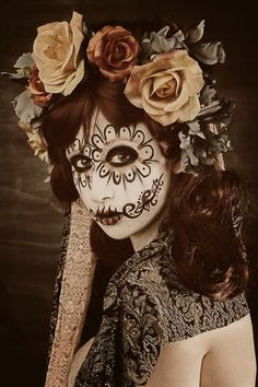 Dia de los Muertos / Sugar Skull Halloween Make Up Idea Theme Halloween, Halloween Make Up, Halloween Costumes, Gothic Halloween, Mexican Halloween, Halloween Fashion, Vintage Halloween, Dead Makeup, Skull Makeup