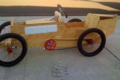 Exhaust Louvers and Crank In Place Wooden Go Kart, Wooden Car, Soap Box Cars, Go Kart Plans, Diy Go Kart, Monster Car, E Motor, Making Wooden Toys, Austin Healey Sprite
