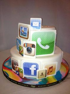 Boys 16th Birthday Cake, Birthday Cakes For Teens, Apple Birthday, 16 Birthday Cake, Iphone Cake, Cupcake Cakes, Cupcakes, Cakes For Men, Bakery Cakes