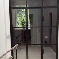 Vil i se noget FEDT??  Svingdørs hængsler i vores Glasvægge... hvad siger i til det?? 😜✌🏽  Pisse blæret løsning 🙌🏽💪🏽  #ÉtStkMegetTilfredsMontør 😅