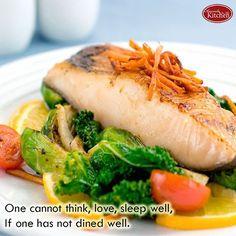 Satu hal yang dapat membuat kita tidak dapat berpikir dengan baik, mencintai dan tidur tidak baik yaitu makan. Ada pepatah, kalau belum makan, tidak bisa lakuin apapun. 😁 . Selamat Makan Malam 😋  Yummery - best recipes. Follow Us! #kitchentools #kitchen