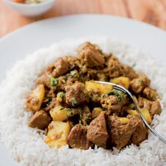 A Cape Malay curry by the legendary Cass Abrahams. Lamb Recipes, Spicy Recipes, Curry Recipes, Slow Cooker Recipes, Indian Food Recipes, Asian Recipes, Cooking Recipes, Meal Recipes, Recipies