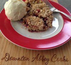 Easing into summer with healthy rhubarb crumble.  Less sugar and almost no butter.