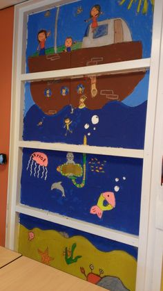 dit hebben kinderen geschilderd op het raam in de klas 2014/2015