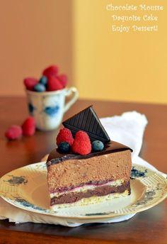 Tort de bezea cu mousse de ciocolata Homemade Chocolate, Chocolate Peanut Butter, Chocolate Cake, Mousse, Cake Recipes, Dessert Recipes, French Cake, Romanian Food, Something Sweet