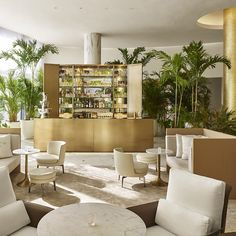 The barefoot chic Miami Beach EDITION mixes business with lots and lots of pleasure... http://www.we-heart.com/2015/03/11/the-miami-beach-edition-miami/