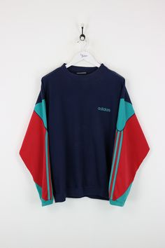 """Very good condition, vintage Adidas sweatshirt. Measurements: Pit to pit - 27"""" Length on back - 27"""" Vintage items will usually show a few signs of wear or fadin"""